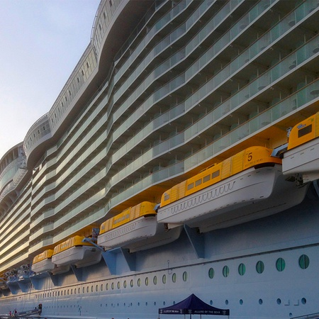 Harmony of the Seas - Imposant